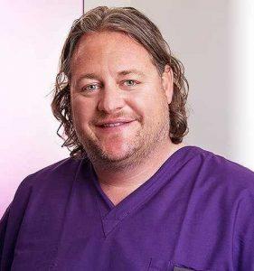 dentist, dentoalveolar oral surgeon specialist